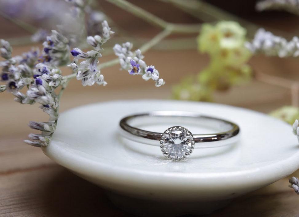 ミル打ち枠・プラチナの婚約指輪