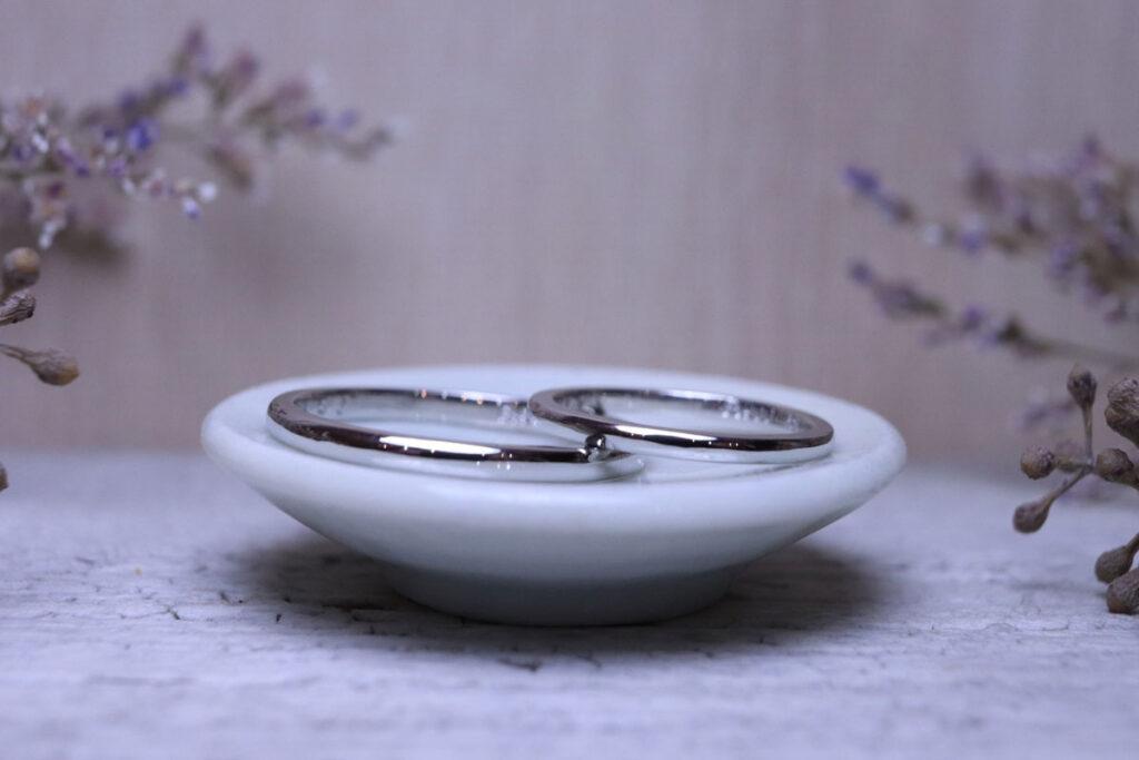 シンプルが一番の結婚指輪